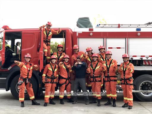 Cam là màu sắc đặc trưng của đồng phục lính cứu hỏa